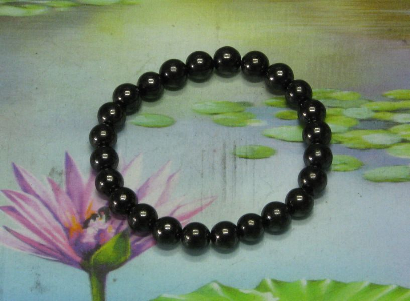 * Shungite armband 24 parels 8 mm