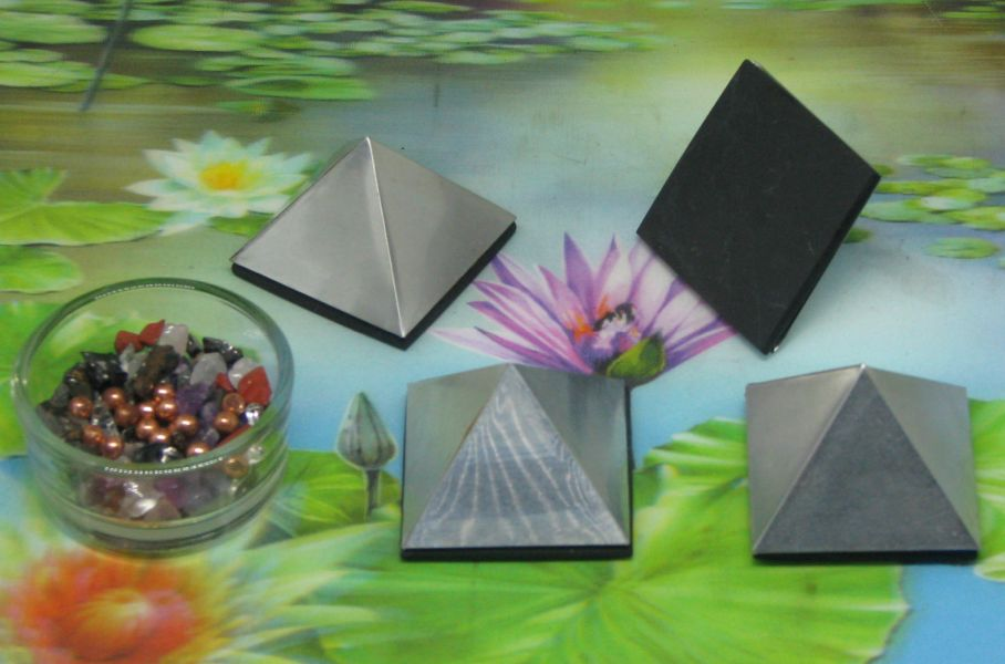 * Alu Orgon piramide 40 mm